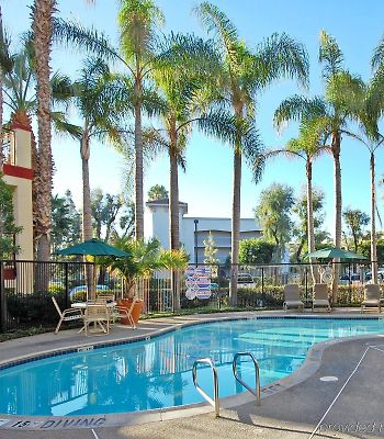 Clarion Inn & Suites John Wayne Airport photos Exterior