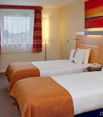 Holiday Inn Express London - Epsom Downs photos Room
