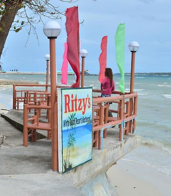 Ritzy'S White Beach Resort And Restaurant photos Exterior