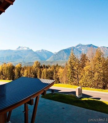 The Sutton Place Hotel Revelstoke Mountain Resort photos Exterior