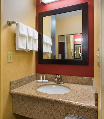 Courtyard By Marriott Scranton Wilkes-Barre photos Room