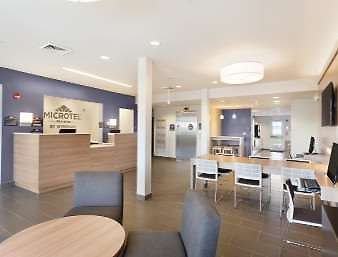 Microtel Inn & Suites By Wyndham Perry photos Interior Lobby