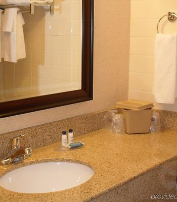 Best Western St. Catharines Hotel & Conference Centre photos Room