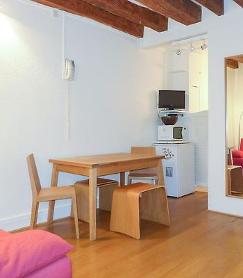 Charming Flat In The Heart Of Saint Germain Des Pres photos Exterior Hotel information