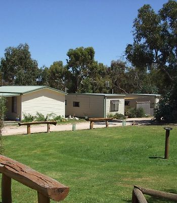 Stawell Park Caravan Park photos Exterior Photo album