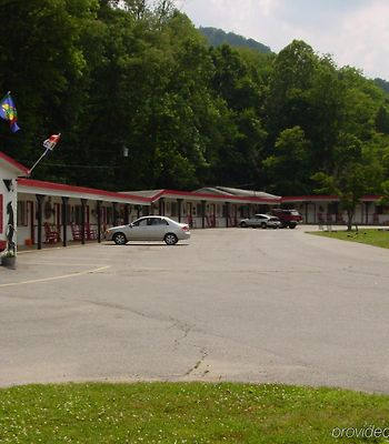 A Holiday Motel - Maggie Valley photos Exterior