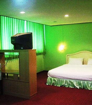 New Mitrapap Hotel photos Room