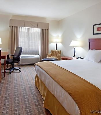Holiday Inn Express Hotel & Suites Hardeeville-Hilton Head photos Room