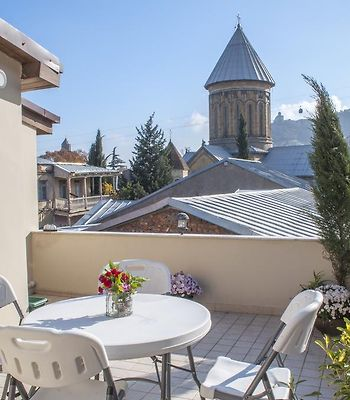 Old Tbilisi Home With Sunny Terrace photos Room