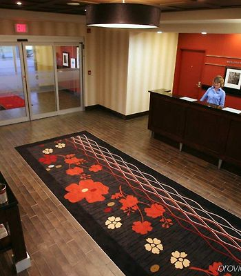 Hampton Inn And Suites By Hilton Red Deer photos Interior