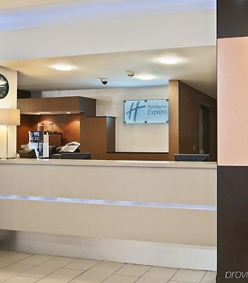 Holiday Inn Express Belfast City Queens Quarter photos Interior
