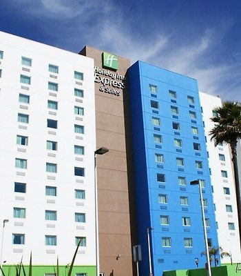 Holiday Inn Express & Suites Toluca Zona Aeropuert photos Exterior