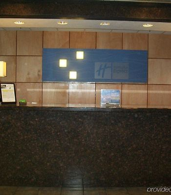 Holiday Inn Express Aberdeen-Chesapeake House photos Interior