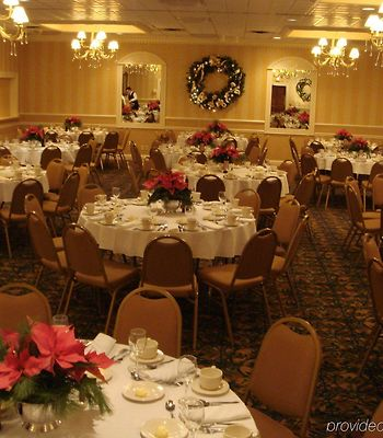 Holiday Inn Cleveland-Mayfield photos Restaurant