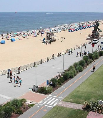 Hampton Inn Virginia Beach-Oceanfront North photos Facilities