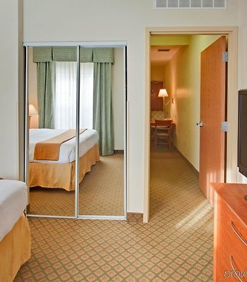 Holiday Inn Express Hotel & Suites Southfield - Detroit photos Room