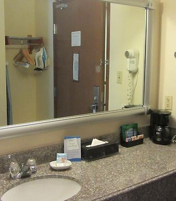 Baymont By Wyndham Conroe photos Room