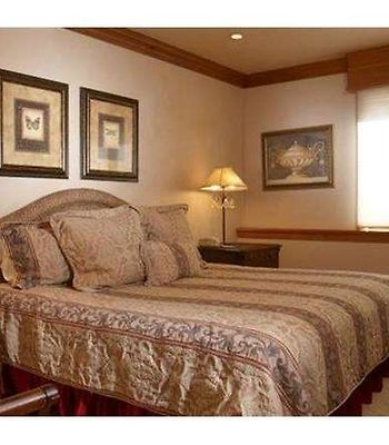 Baby Doe Chateau By First Choice Property Management photos Room Bedroom