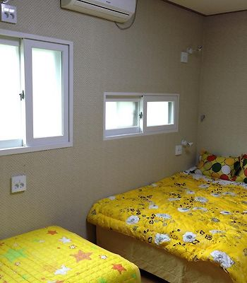 Gold Guesthouse photos Room