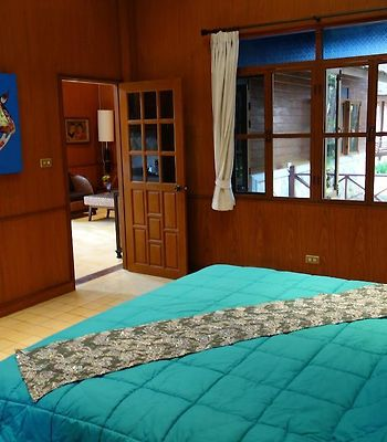 Teak And Pines photos Room