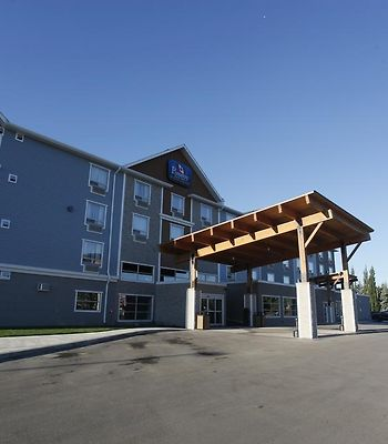 Pomeroy Inn & Suites At Olds College photos Exterior Hotel information