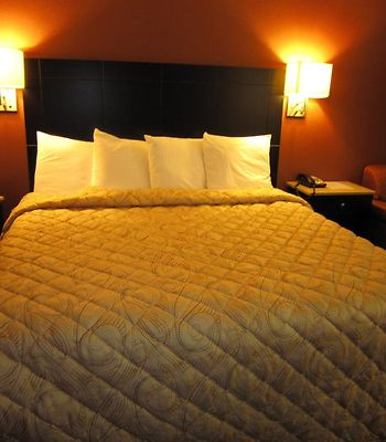 Red Carpet Inn And Suites Monmouth Jtc photos Room