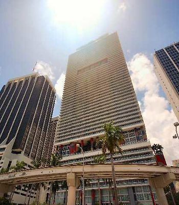 Luxury Apartments At 50 Biscayne photos Exterior Hotel information