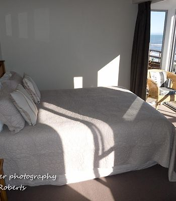 Breakers Boutique Accommodation photos Room