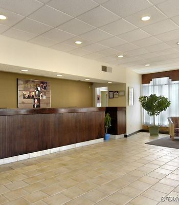 Red Roof Inn & Suites Wytheville photos Interior
