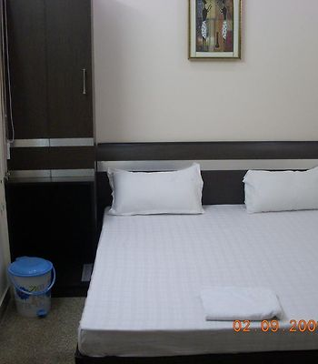 Airport Hotel R K Delhi photos Room