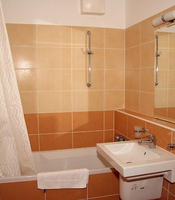 Vivaldi Apartments photos Room