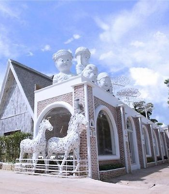 I Am Chiangrai White Brick Villa photos Exterior I Am Chiangrai White Brick Villa