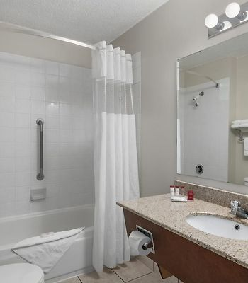Ramada Limited Grand Forks photos Room Hotel information
