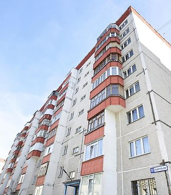 Surgut Apartments Apartment Igorya Kirtbaya 19/1 photos Exterior Hotel information