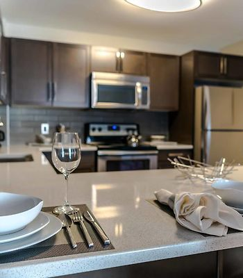 Luxury Furnished Suites By Edison Properties photos Exterior Hotel information