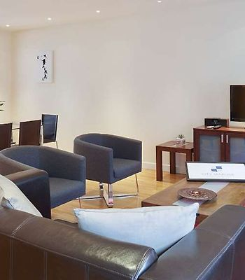 City Marque Tower Hill Serviced Apartments photos Room citymarque towerhill living room