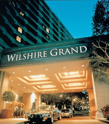 Wilshire Grand photos Exterior