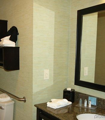 Hampton Inn & Suites Swansboro photos Room
