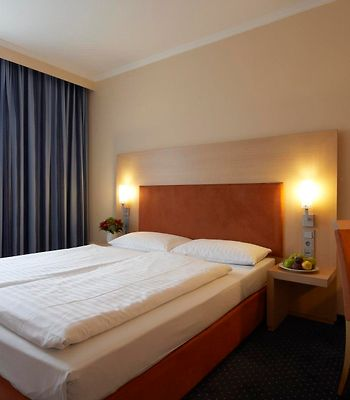 Intercityhotel Stuttgart photos Room Guest room