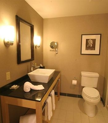 Cambria Suites Akron/Canton Airport photos Room