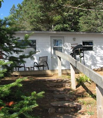 White Pine Cottages On Lake St. Peter photos Exterior
