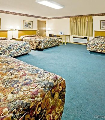 Americas Best Value Inn And Suites Thief River Falls photos Room