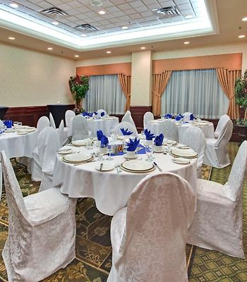Holiday Inn Select Oakville photos Exterior