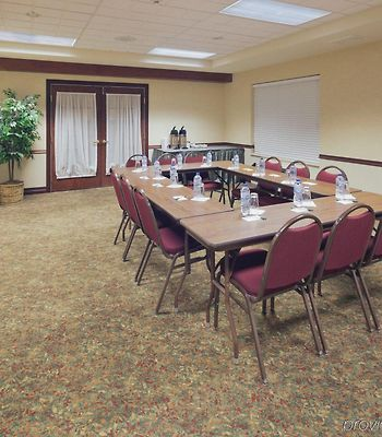 Country Inn & Suites By Carlson Appleton photos Business