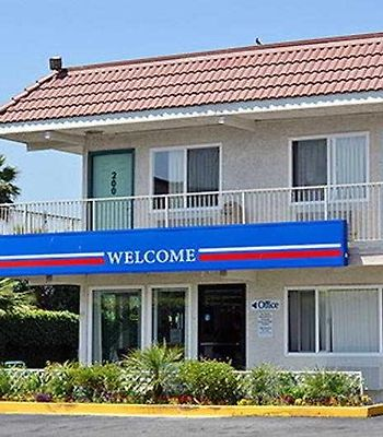 Motel 6 Los Angeles Santa Fe Springs photos Exterior