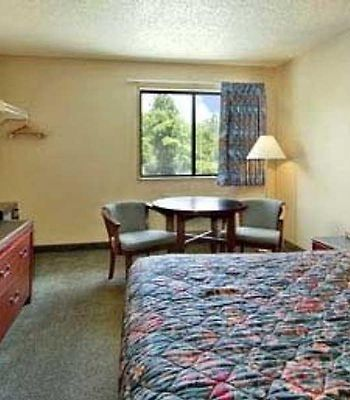 Super 8 Panama City photos Room