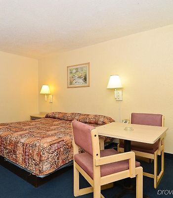 Americas Best Value Inn Beaumont/I-10 photos Room
