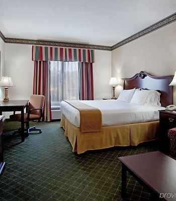 Holiday Inn Express Charleston-Moncks Corner photos Room