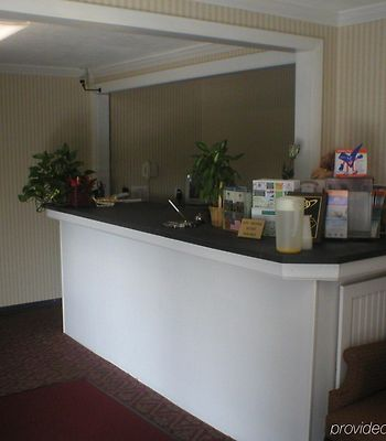 Econo Lodge Lee - Great Barrington photos Interior