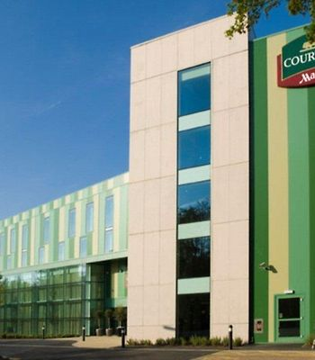Courtyard By Marriott Gatwick photos Exterior